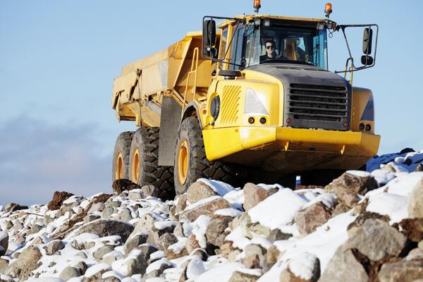 Acquiring Used Dump Trucks Through Dump Truck Leasing - dump truck