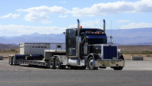 Scale Your Trucking Company with a Trucking Business Loan - trucking 1