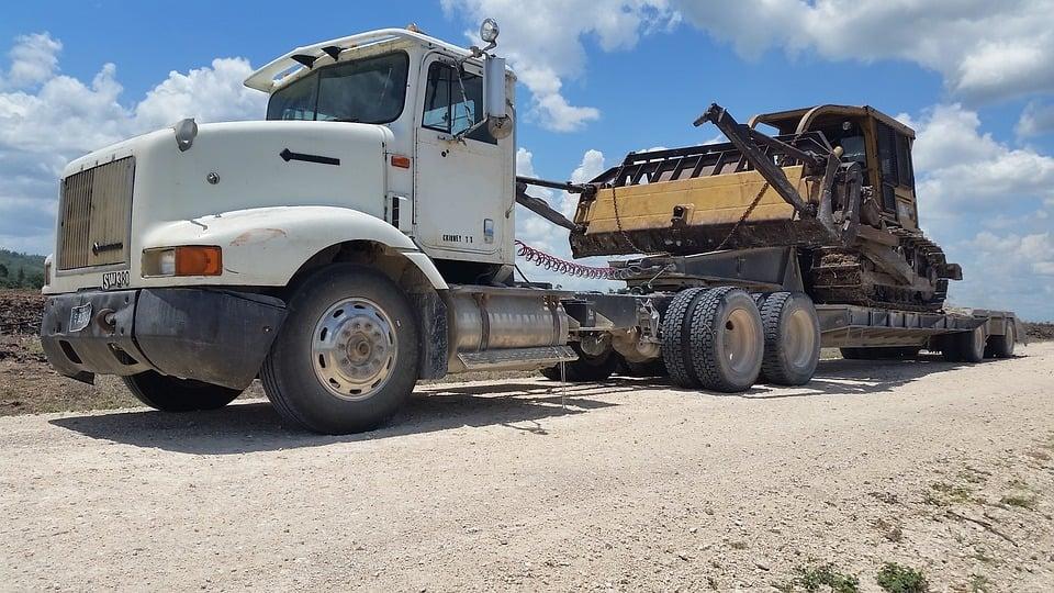 Tips on Buying a Heavy Duty Truck - heavy duty truck